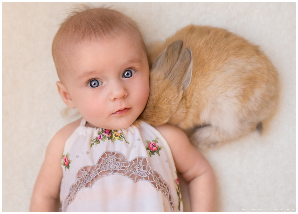Baby girl and a baby bunny. LJHolloway photography is a Las Vegas Child Photographer.